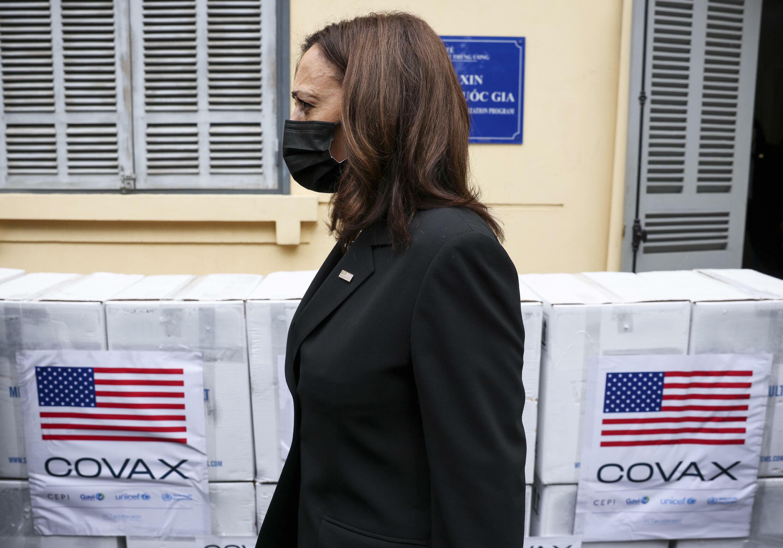 Kamala Harris au Vietnam - Vaccin Pfizer via Covax AP21238204872981