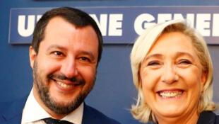 Le ministre italien de l'Intérieur Matteo Salvini et la présidente du Rassemblement national Marine Le Pen, le 8 octobre 2018 à Rome.