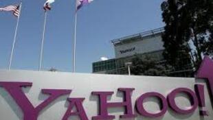 Fachada do Yahoo na sua sede em Sunnyvale na Califórnia.