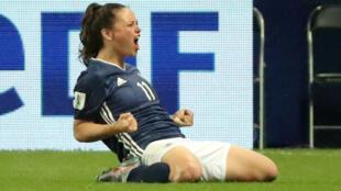 La argentina Florencia Bonsegundo celebra su tercer gol desde el punto de penalti.