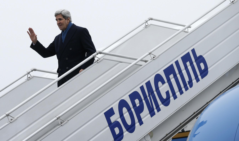 El secretario de estado norteamericano John Kerry a su llegada a Kiev el 4 de marzo de 2014.