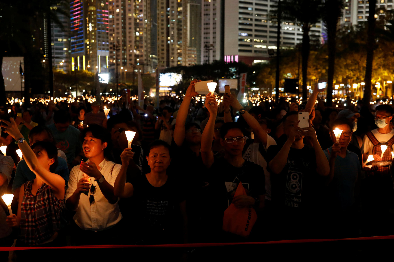 资料图片:2017年6月4日香港维多利亚公园的六四纪念烛光晚会