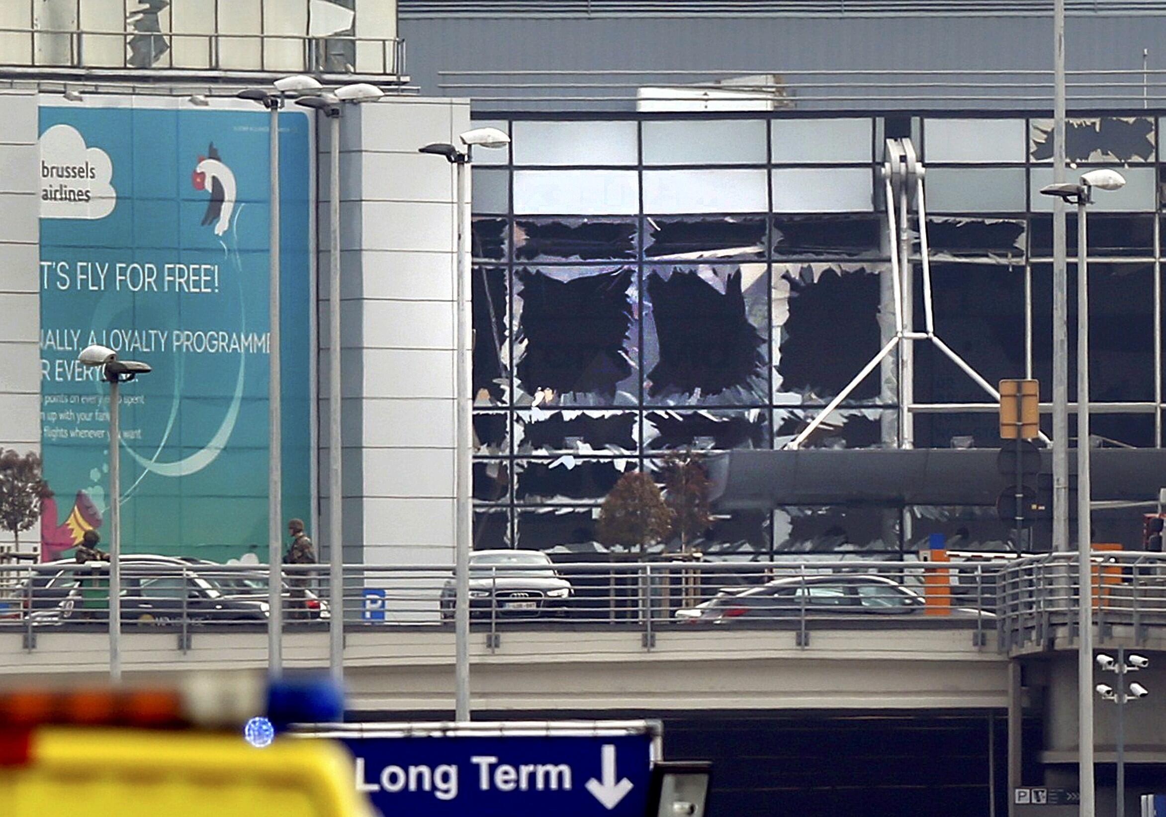 Explosão no hall de embarque do aeroporto belga de Zaventem.