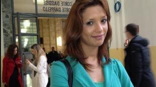 Le mannequin Imane Fadil lors de son arrivée à la cour de Milan, le 16 avril 2012, lors du procès de l'ex-Premier ministre Silvio Berlusconi accusé d'avoir eu des relations sexuelles rémunérées avec cette jeune fille.
