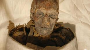 Foto tomada el 27 de junio de 2007 de la momia de la reina Hatshepsut, que gobernó Egipto entre 1479 y 1458 AC, el reinado más largo de una mujer faraón, en el Museo de El Cairo