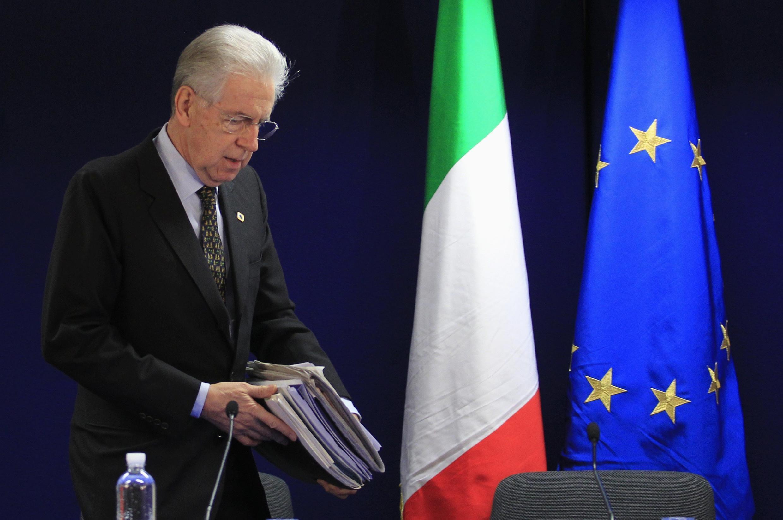 Mario Monti presentó su renuncia al cargo de primer ministro de Italia.