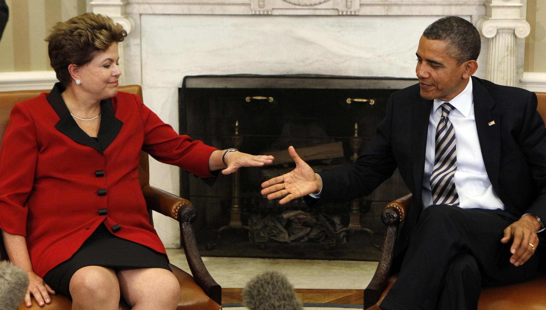 A presidente do Brasil, Dilma Rousseff, e o presidente dos Estados Unidos, Barack Obama, selam a amizade bilateral.