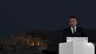 Emmanuel Macron pronuncia um discurso na colina de Pnyx, em Athènes, na Grécia, no dia 7 de setembro