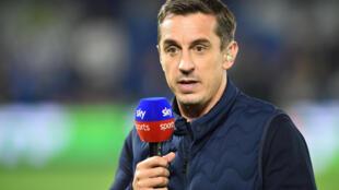 El exfutbolista y comentarista de Sky Sports Gary Neville habla antes de  un partido de la Premier League inglesa en Brighton, Inglaterra, el 5 de octubre de 2018