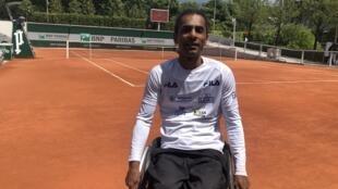 O tenista Ymanitu Silva foi o primeiro brasileiro a jogar na categoria quad em Roland Garros.