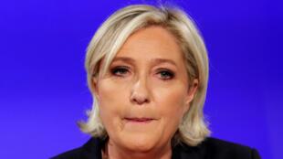 Marine Le Pen, candidata à eleição presidencial francesa de 2017, ao reconhecer a derrota para Emmanuel Macron no último domingo (7).