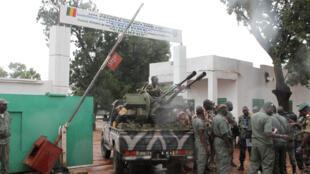 Entrée du camp militaire de Kati, près de Bamako, Mali, le 3 octobre 2013.