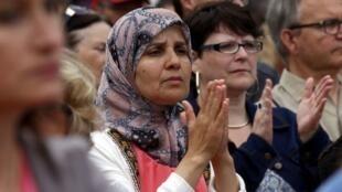 Ceremonia en homenaje al padre Jacques Hamel, el 28 de julio de 2016, en Saint-Etienne-du-Rouvray, donde fue asesinado por dos seguidores del grupo Estado Islámico.