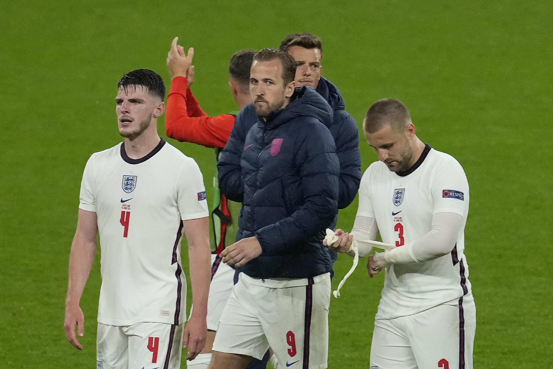 Les Anglais Declan Rice, Harry Kane et Luke Shaw, après le match nul (0-0) contre l'Ecosse, lors de la 2e journée du groupe D à l'Euro 2020, le 18 juin 2021 au stade de Wembley à Londres