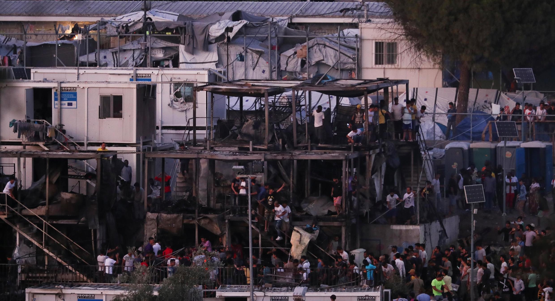 امروز دوشنبه ۳۰ سپتامبر، شهردار لسبوس و کمیساریای عالی پناهندگان سازمان ملل متحد خواستار تخلیه هرچه سریع اردوگاه موریا که بزرگترین اردوگاه مهاجران در یونان و در اروپا است شدند.