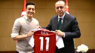 Ozil da shugaba Recep Tayyip Erdogan na Turkiyya