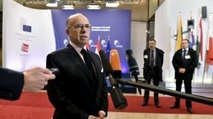 Ministro francês do interior Bernard Cazeneuve