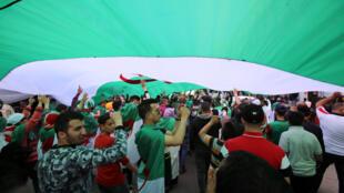 La contestation algérienne a commencé le 22 février 2019, et entre à présent dans sa dixième semaine.