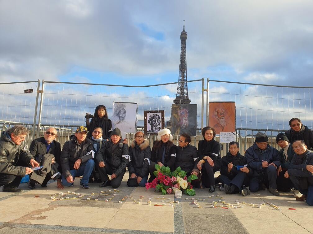 Tưởng niệm cụ Lê Đình Kình và các nạn nhân trong vụ tấn công Đồng Tâm tại quảng trường Trocadéro, Paris, ngày 12/01/2020.