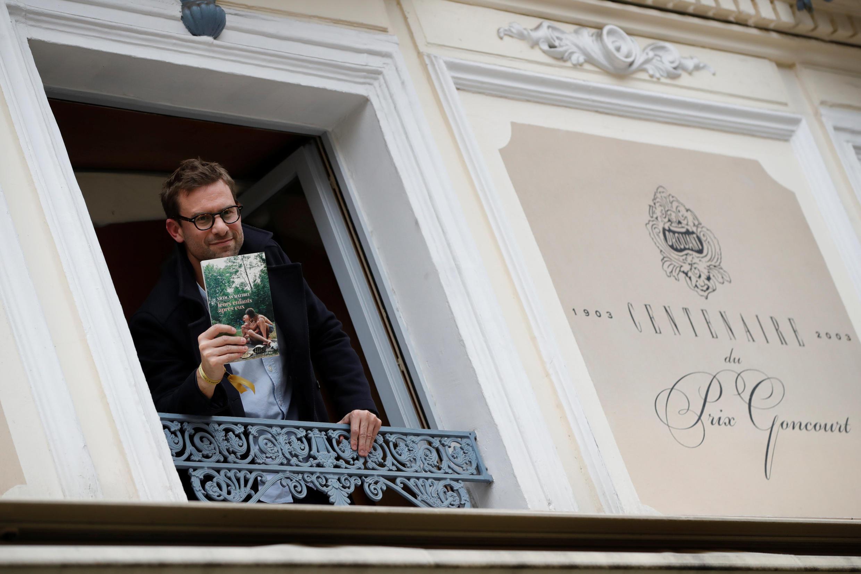 """نیکولا ماتیو روز چهارشنبه ۷ نوامبر/١۶آبان از سوی کمیته داوارن آکادمی جایزه گنکورد برای رمان """"فرزندانشان پس از آنها"""" برنده جایزه گنکور شد."""