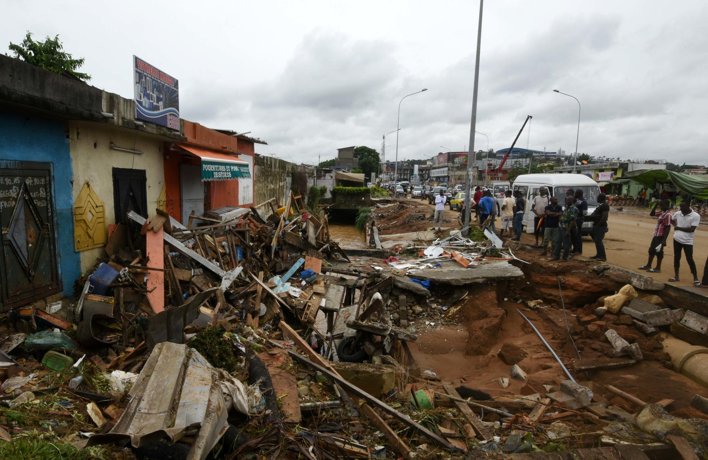 Katika miaka ya hivi karibuni, mafuriko yamekuwa yameendelea katika baadhi ya maeneo ya mji wa Abidjan, kama eneo hili hapa ilikuwa mwaka 2018. (picha ya kumbukumbu)