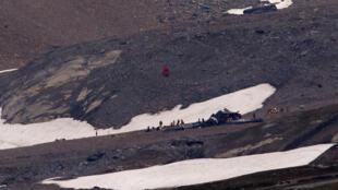 Самолет времен Второй мировой разбился в швейцарских горах