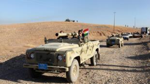 Combatientes peshmergas fotografiados durante la ofensiva de Mosul, este 17 de octubre de 2016.