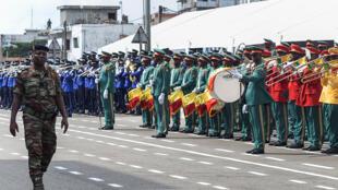 Parade militaire lors de la célébration de l'indépendance du Bénin, le 1er août 2018.