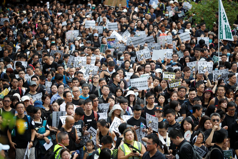 Dubban masu zanga-zangar adawa da mulkin China a Hong Kong.