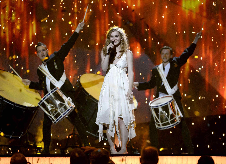 Претендентка на победу в Евровидении-2013 Эммели де Форест в Мальмо 17/05/2013