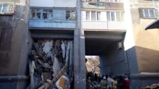 Число погибших при обрушении части жилого дома в Магнитогорске Челябинской области увеличилось до восьми человек