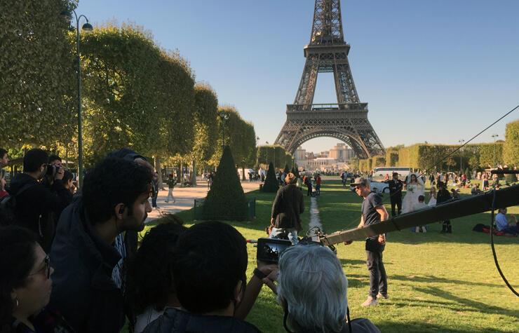 Đoàn phim Ấn Độ thực hiện các cảnh quay cho bộ phim Ae Dil Hai Mushkil gần tháp Eiffel, Paris.