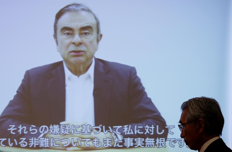 戈恩的辯護律師在記者會上,公開了戈恩再遭逮捕前的錄像談話  2019年4月9日。