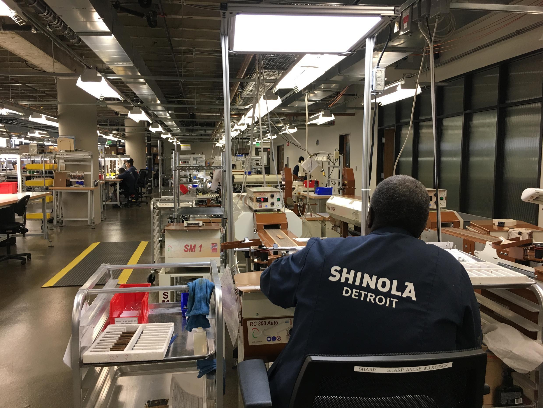 En cinq ans, Shinola, produisant de l'artisanat haut-de-gamme estampillé Detroit, a créé 3 500 emplois dans la ville.