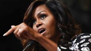 Michelle Obama discursa durante a campanha presidencial americana, em 26 de outubro de 2016..