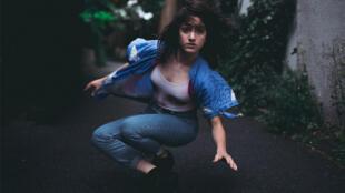 Aloïse Sauvage: phrasé en rap et slam et, sous chapiteau, spécialité de danse acrobatique