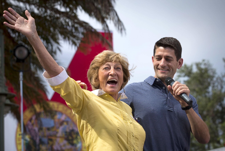 Paul Ryan fait campagne avec sa mère Betty, le 18 août dernier à « The Villages » en Floride.