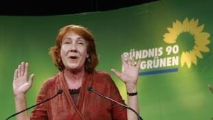 Karo Linnert, à la  tête des Verts de Brême, fêtant les bons résultats des élections régionales, le 22 mai 2011.