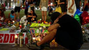 Le mémorial aux victimes du bar gay dans le centre-ville d'Orlando, le 14 juin 2016.