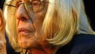 O escritor Ferreira Gullar recebe prêmio Camões