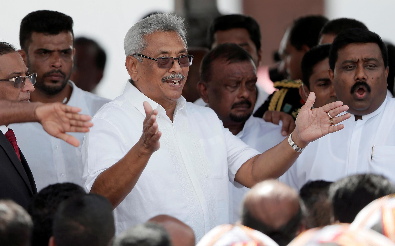 斯里兰卡新当选总统拉贾帕克萨周一正式宣誓就职