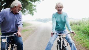 Al menos 30 minutos de actividad física moderada, es uno de los cinco consejos clave de la longevidad.