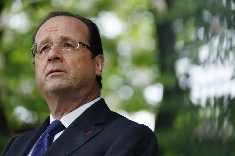 François Hollande explica hoje à Comissão Europeia, em Bruxelas, as reformas adotadas por seu governo para reduzir o endividamento do país.