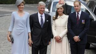 As comemorações do centenário da I Guerra Mundial continuam na Bélgica, presidida pelo rei Filipe (2° a esquerda), Rainha Mathilde, o príncipe William e sua esposa Kate.