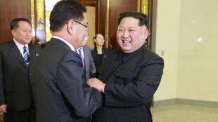 El mandatario norcoreano Kim Jong-un recibió a los miembros de la delegación surcoreana este martes 6 de marzo de 2018.