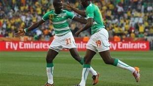 Emmanuel Eboué et Yaya Touré, deux des buteurs ivoiriens contre les Amavubi.