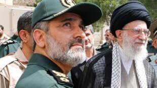 خامنهای و حاجی زاده در نمایشگاه نیروی هوافضای سپاه پاسداران در سال 1393