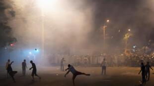 Акция в поддержку оппозиционеров, захвативших полицейский участок, Ереван, 20 июля 2016.