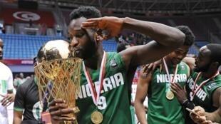 Le Nigérian Chamberlain Oguchi, vainqueur de l'Afrobasket 2015.