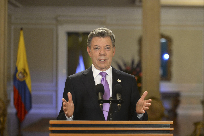 El presidente colombiano, Juan Manuel Santos, durante un discurso televisado desde el palacio presidencial, Bogotá, 10 de marzo de 2015.